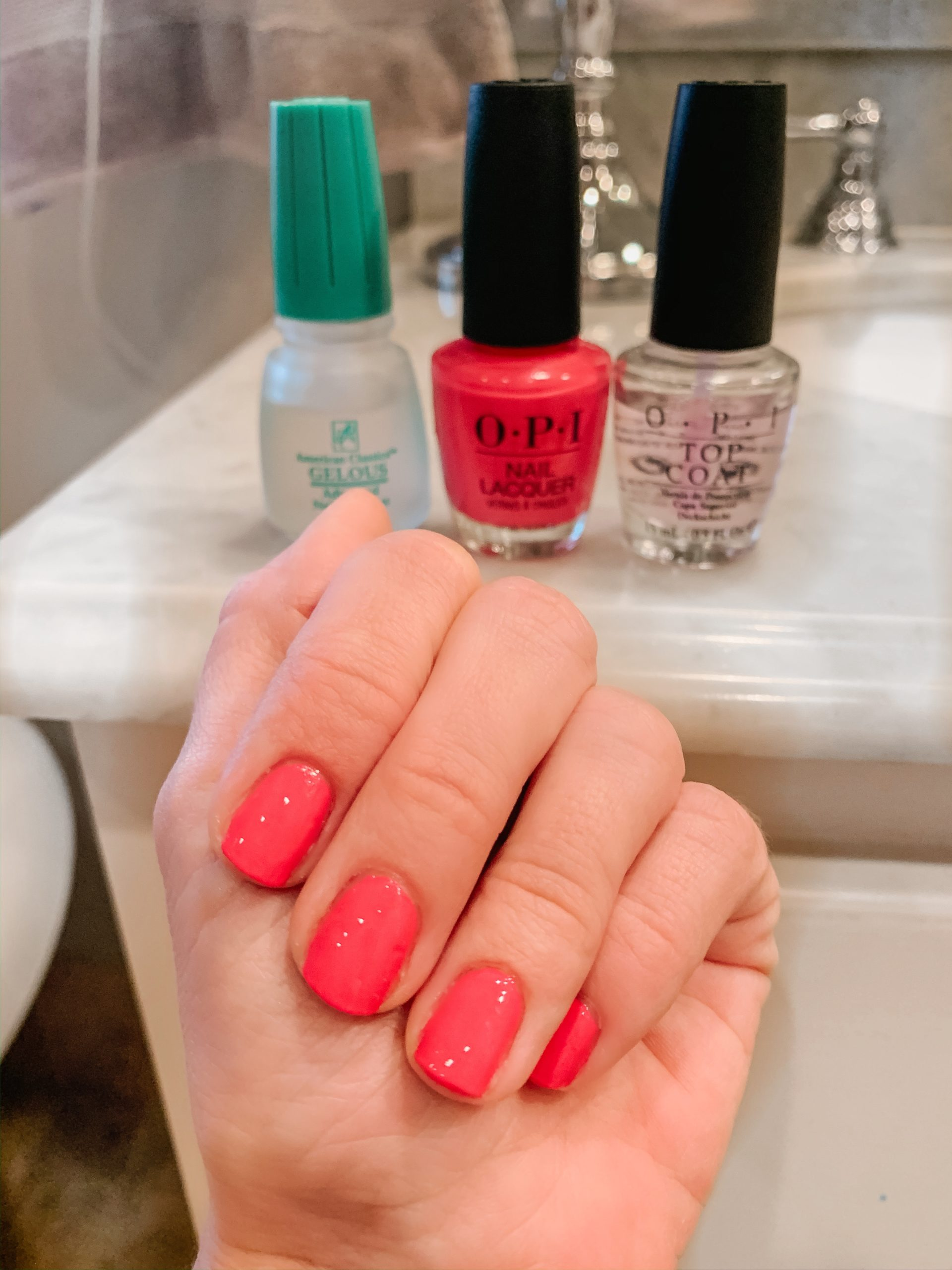 How to Get Gel Manicure at Home without UV Light