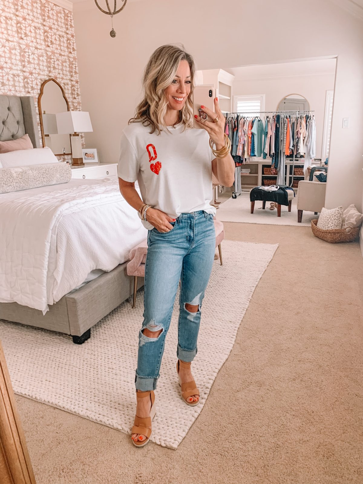 Amazon Fashion Finds, Queen of Hearts Tee, Distressed Jeans, Wedges