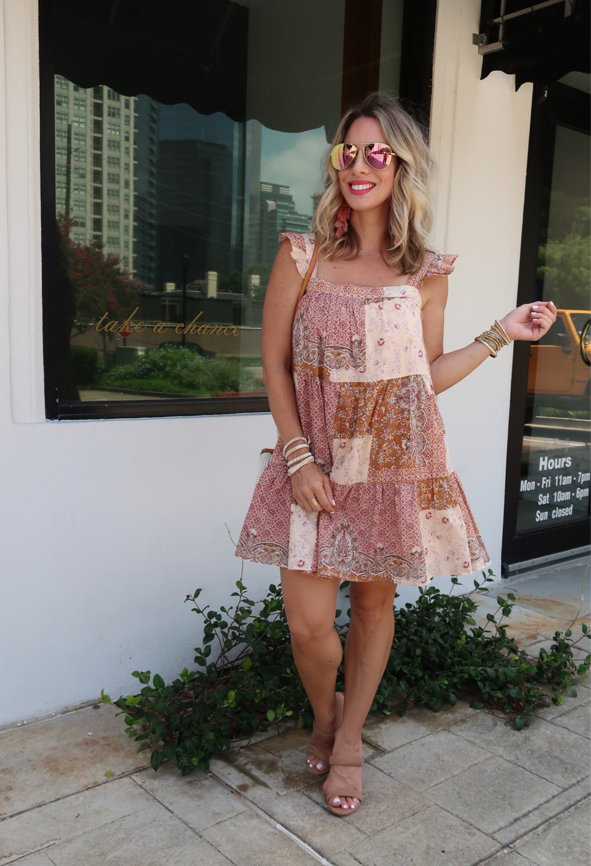 Flirty Summer Styles & Date Night Dresses,Boho Sytle Shift Dress, Sandals