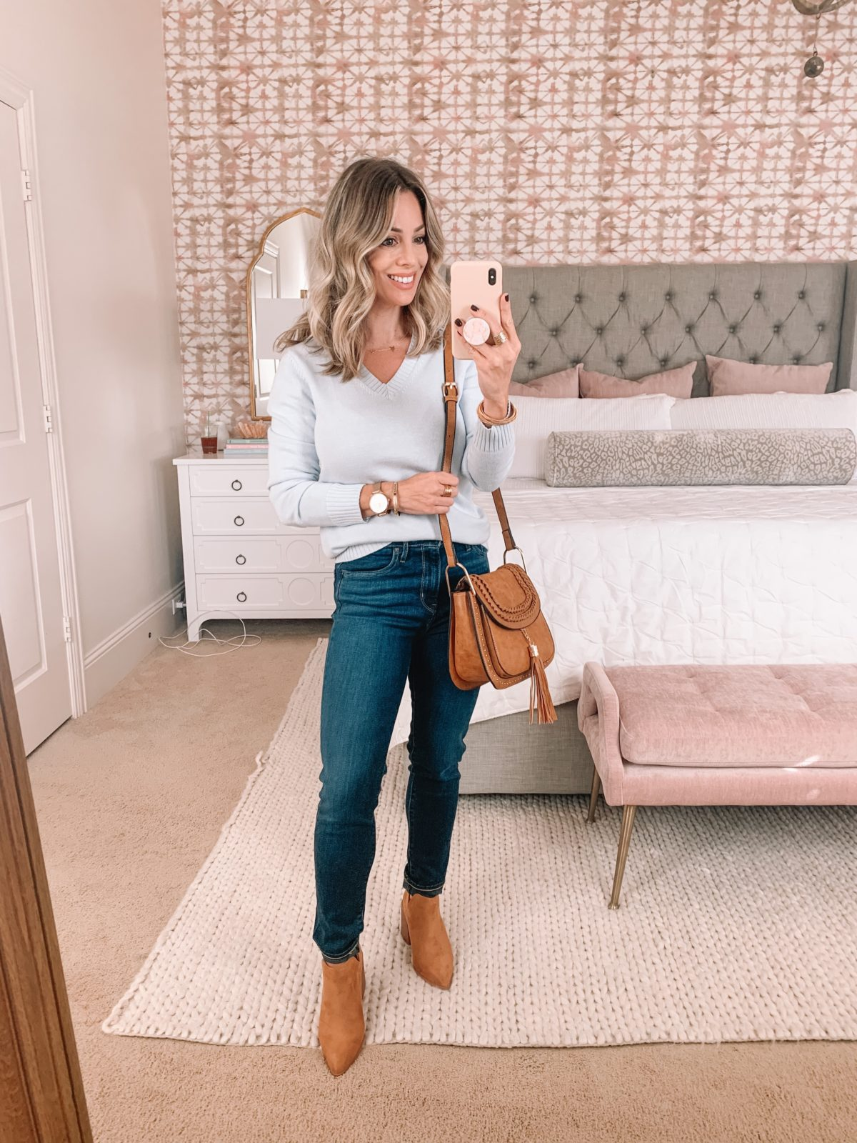 Amazon Fashion Faves, V Neck sweater, Skinny Jeans, Booties, Crossbody.