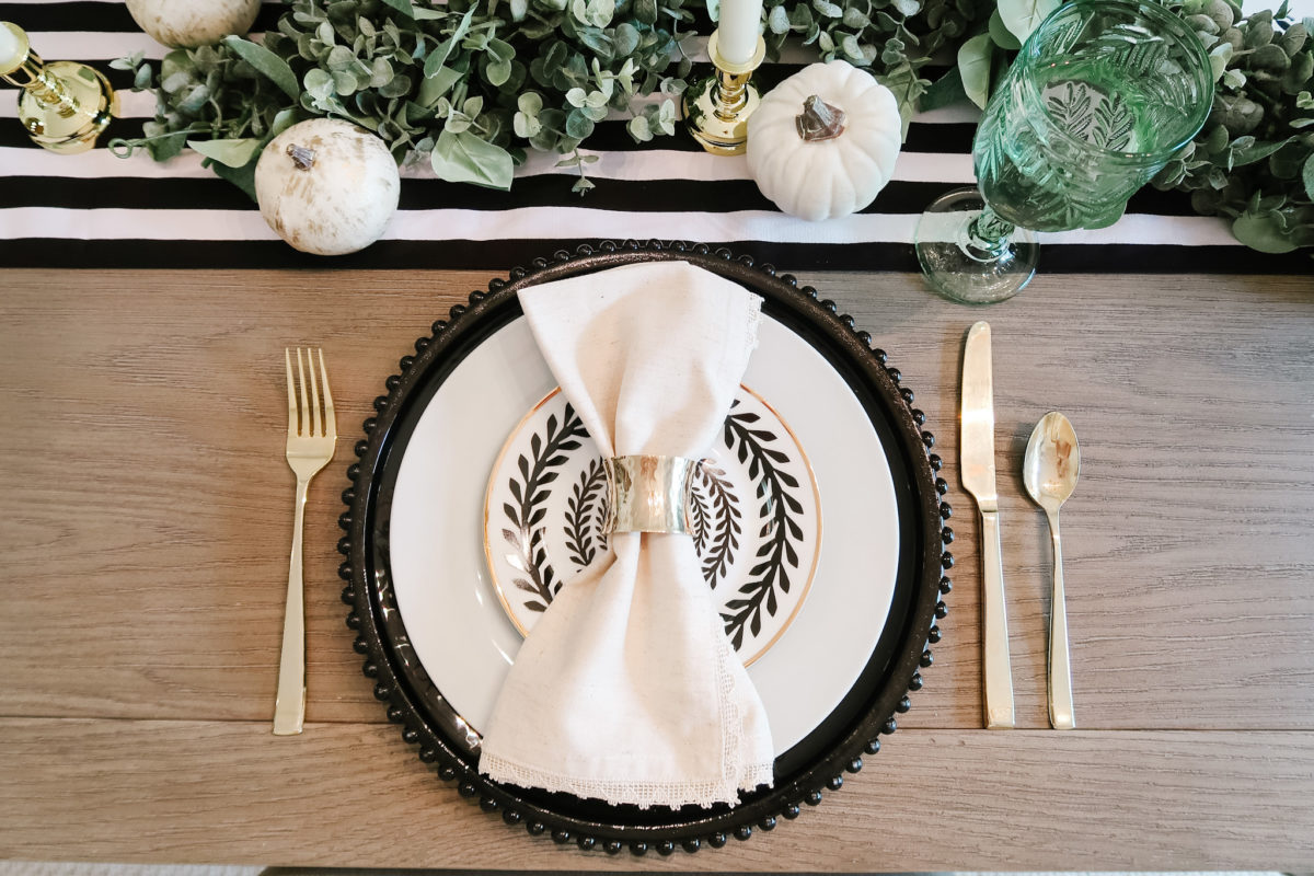 Thanksgiving Tablescapes, Modern Black and White and Gold.