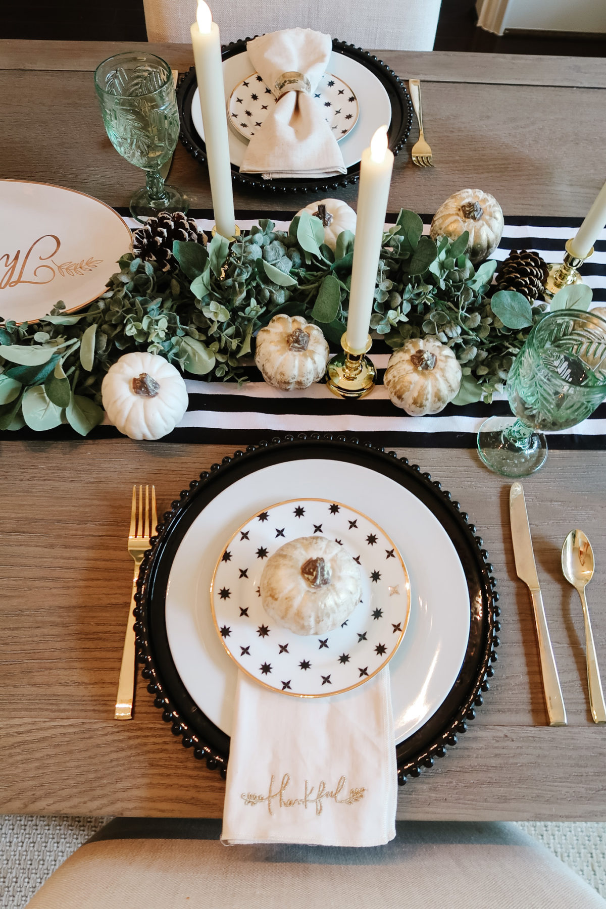 Thanksgiving Tablescapes, Modern Black and White with Gold accents.