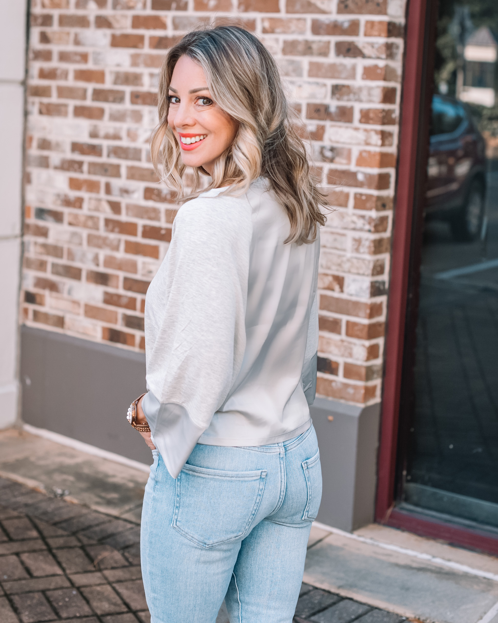 Express Fashion, Gray Tee, Skinny Jeans