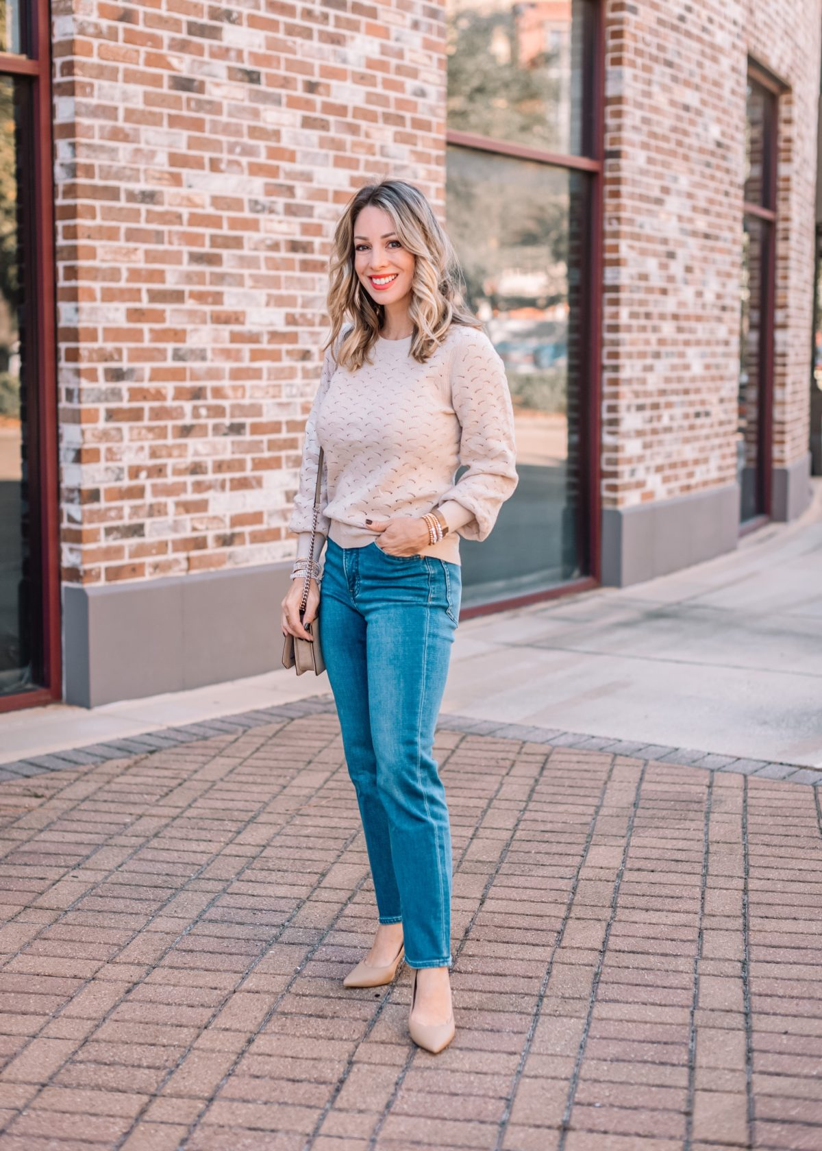 Express Fashion, Ponitnelle Sweater, Jeans, Nude Heels