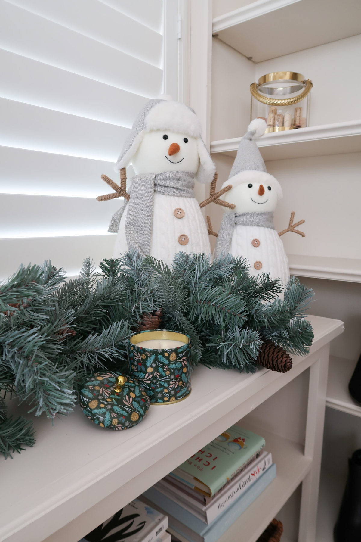 Christmas Home Tour, Snowmen Decor, candle, Greenery