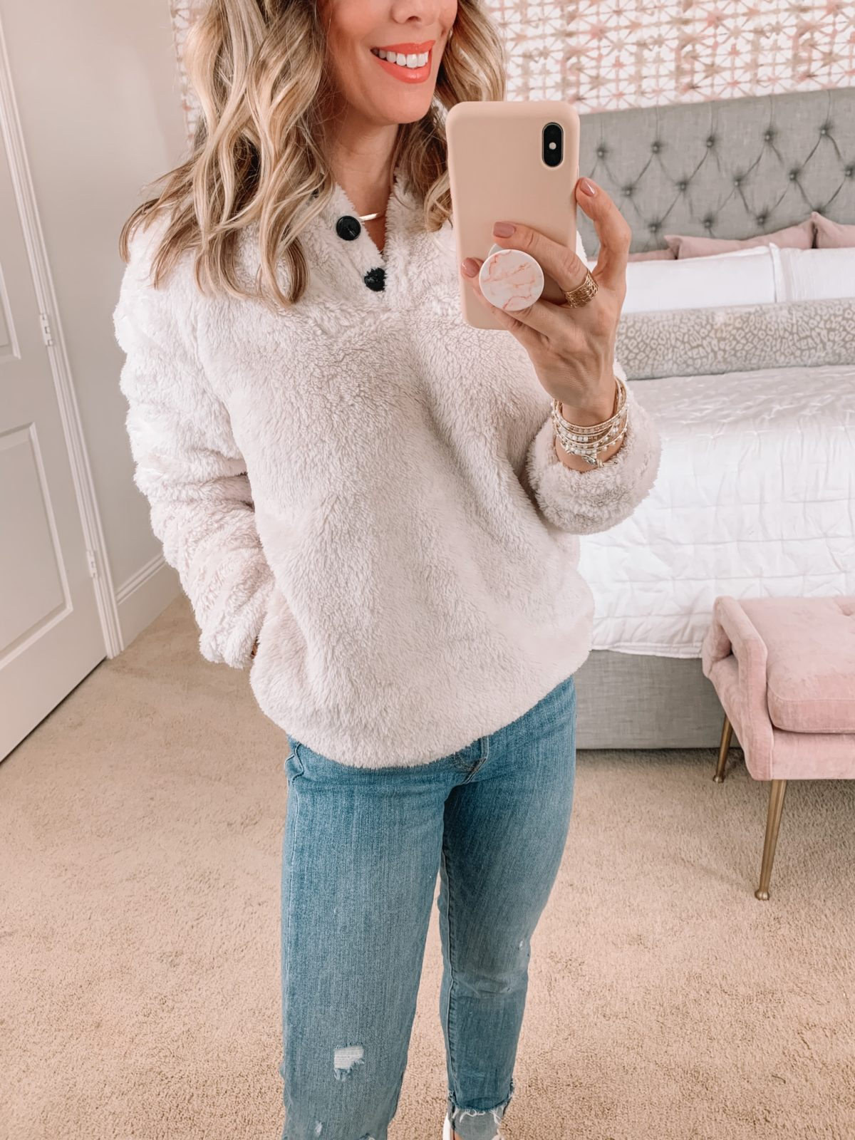 Amazon Fashion Faves, Pullover, Jeans, Sneakers