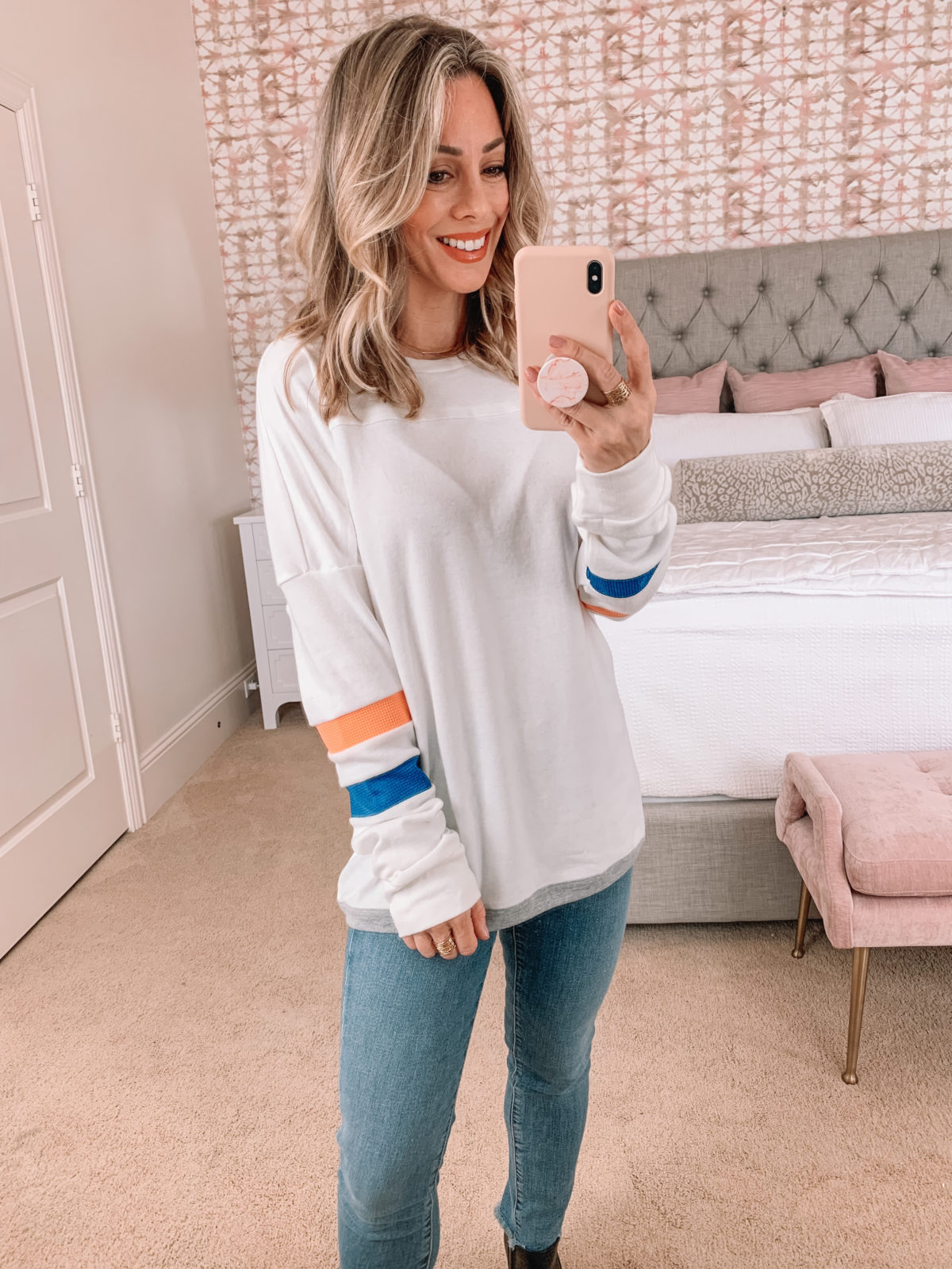 Amazon Fashion Faves, Sweatshirt, Jeans, Booties