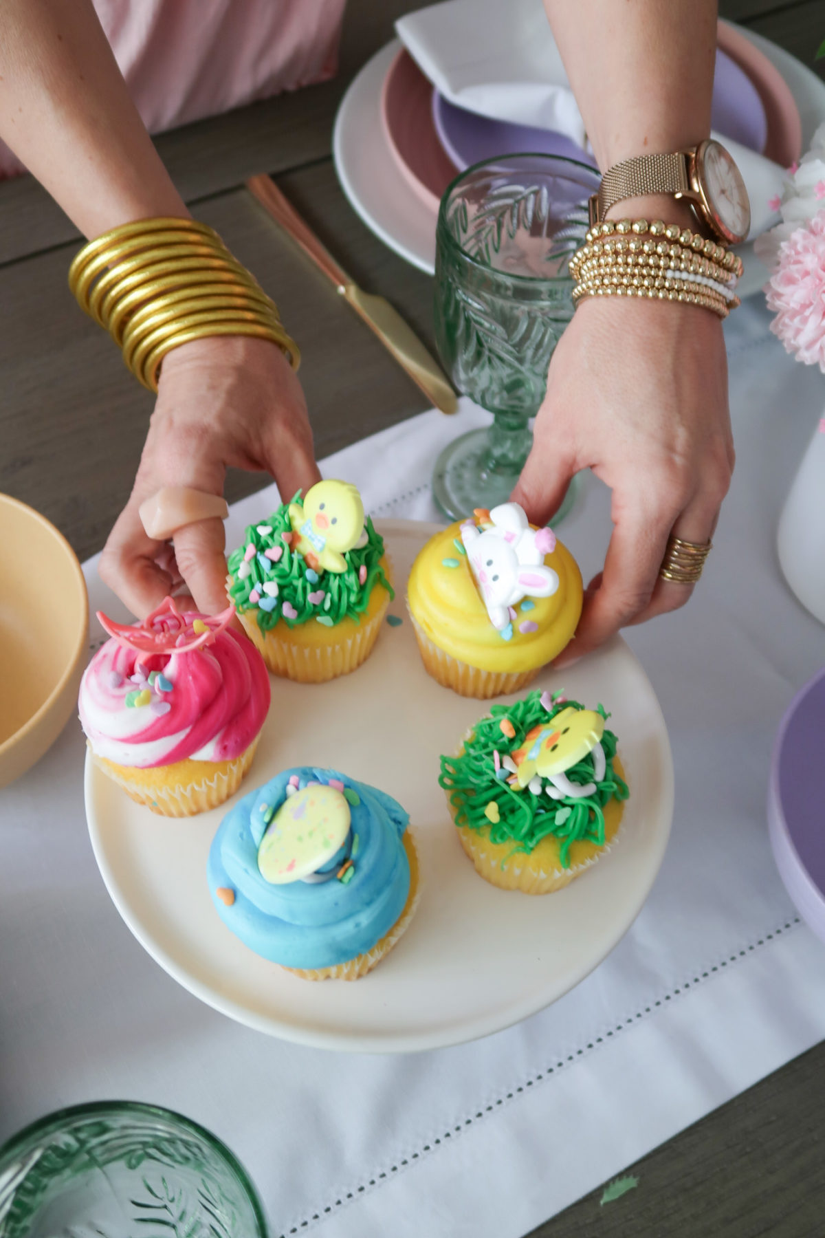 Spring Decor, Easter Cupcakes