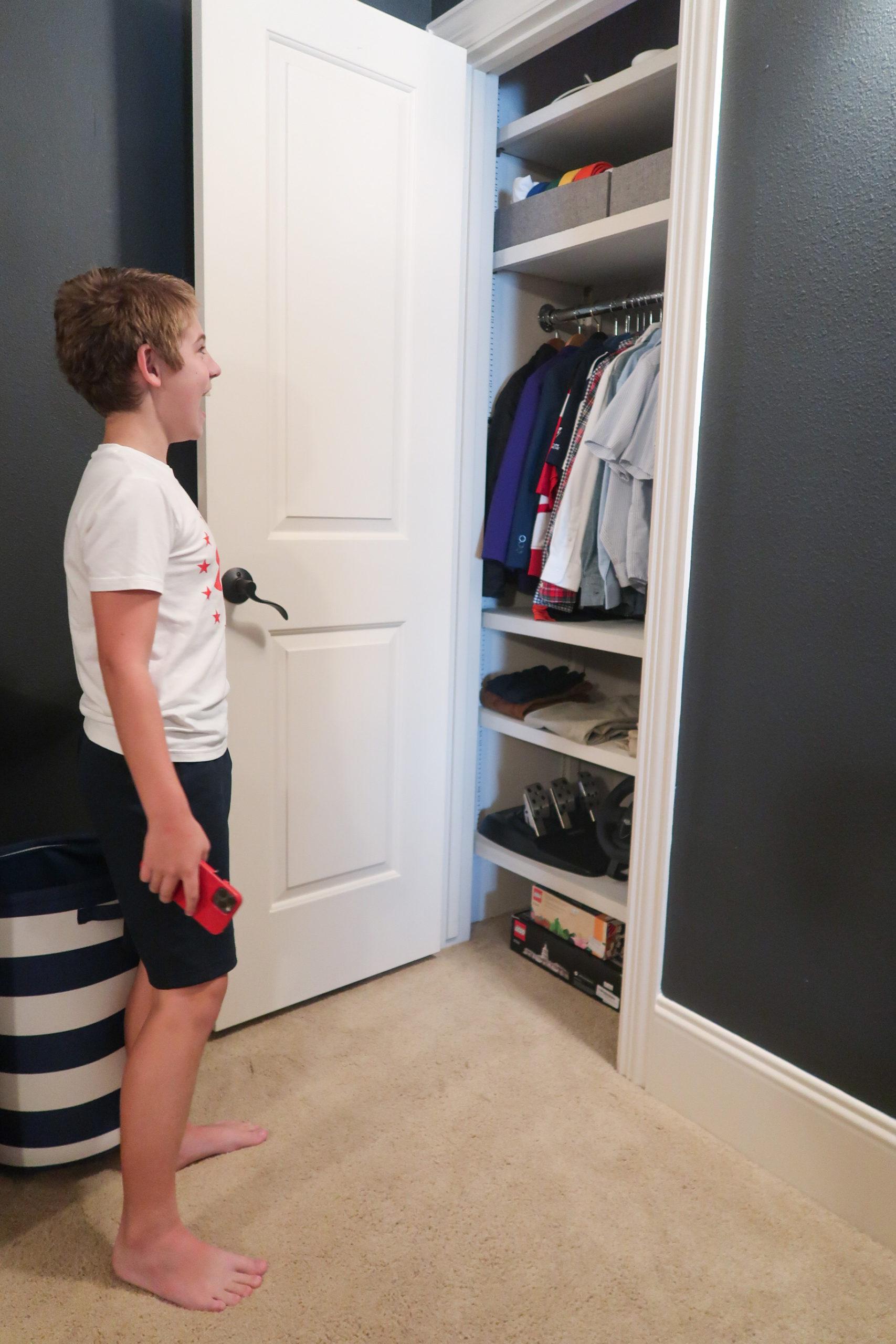 Tween Boys Room closet