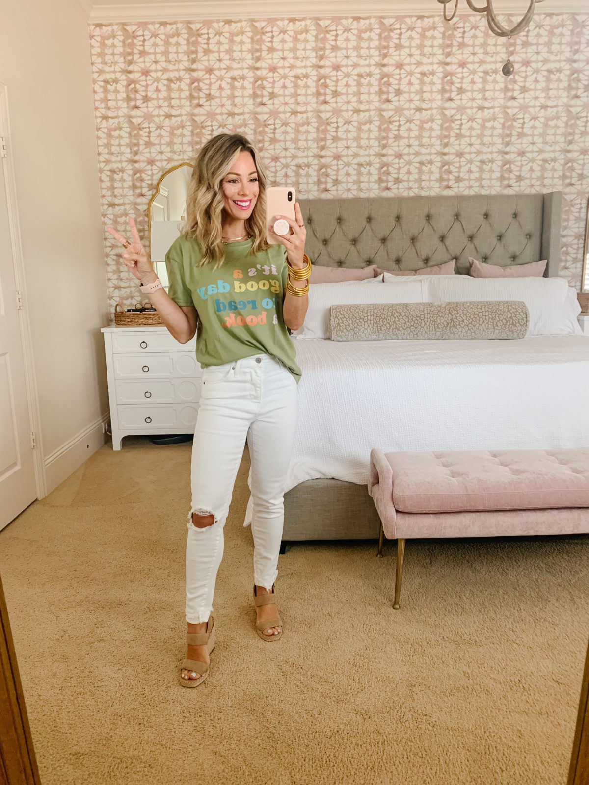 Amazon Fashion Faves, Graphic Tee and White Jeans with Wedges